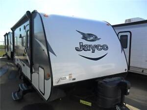 2016 24 FT JAYCO JAY FEATHER X213 LITE TRAVEL TRAILER
