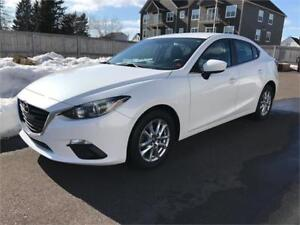 2014 Mazda Mazda3 GS-SKY - CONVENIENCE PACKAGE - ONLY 59,000 Kms
