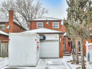 38 Tangmere Cres For Sale!!!