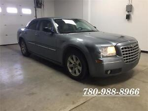 2006 Chrysler 300, NEW TIRES, Leather, clean, ONLY 90233 kms!