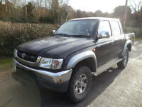 NO VAT-TOYOTA HILUX - 52 Plate - VX 4WD BLACK DIESEL DOUBLE CAB / PICK UP - New Batteries
