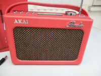 AKAI RETRO STYLE PORTABLE DAB RADIO IN A FAUX LEATHER CASE(NEW)
