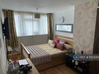 3 bedroom flat in Dirleton Road, London, E15 (3 bed) (#1053051)