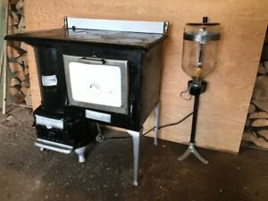 *reduced* Acme stove by Guelph Stove Co. with keymac burner