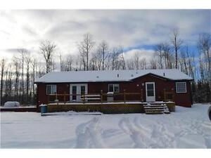 BEAUTIFUL MODULAR ON 30 ACRES MINUTES FROM BC/AB BORDER