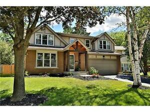 Beautifully refinished ravine lot home in Pleasant Valley Dundas