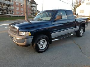 2001 Dodge Ram 1500 4x4 Only 165K AMAZING TRUCK Must SEE!!!!