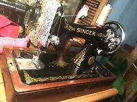 Vintage 1946 heavy duty Singer 99k hand crank sewing machine - sews leather & accesories