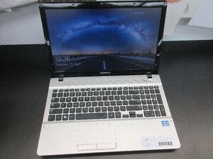 "**700GB** Samsung Notebook 15"" Laptop NP300E5E HD Graphics"