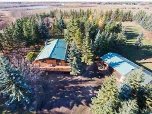 Rural Strathcona County, AB Home for Sale - 4bd 2ba