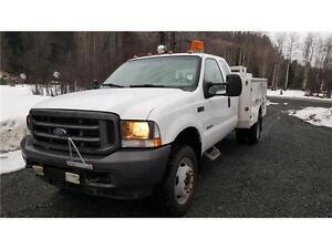 2004 Ford F-450 4X4 DUALS DIESEL SERVICE BODY 136,000 KM $19,900 Prince George British Columbia image 3