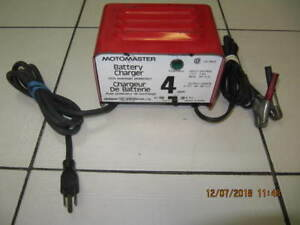 Classic Motomaster Model 11-1514 Battery Charger Circa 1970-80s