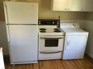 Charming bachelor in great location! $685 Sept 1