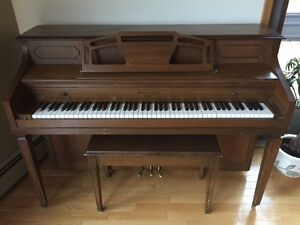Piano - $200 (must be picked up - Kamiskotia Lake)