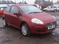 FIAT GRANDE PUNTO 1.4 ACTIVE 3 DR RED 1 YEARS MOT CLICK ONTO VIDEO LIK TO SEE MORE DETAILS OF CAR