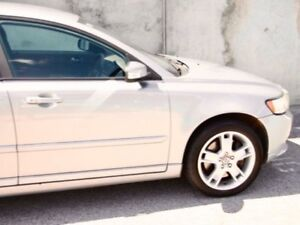 2010 Volvo S40 Silver Sports Automatic Sedan