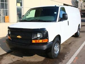 2016 Chevrolet Express 2500 EXTENDED CARGO VAN V8 ENGINE LOW KM