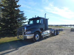 2004 Freightliner Columbia Daycab, C15 Cat, 13 speed