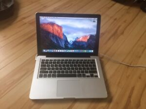 2012 Macbook Pro 8GB RAM 500GB 13.3""