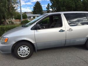 2001 Toyota Sienna Minivan- Runs Good!