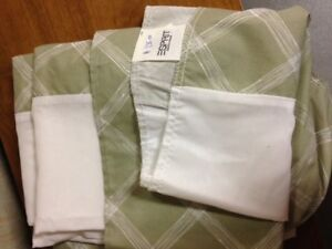 BRAND NEW BED SKIRT -DOUBLE BED SIZE