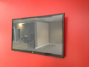 """HAS TO GO TODAY - 52"""" plasma LG TV and wall bracket"""