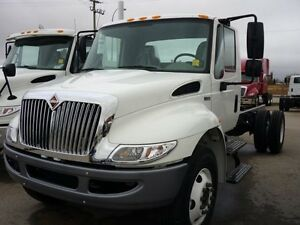 2018 International 4300 SBA 4X2, New Cab & Chassis