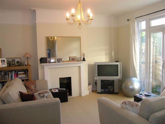 Two double bedroom flat with garden in Putney!