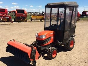 KUBOTA BX2670 WITH FRONT BROOM  FRONT SNOW BLOWER