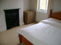 Short term room to let Earlsfield near station