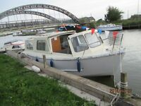 DAY BOAT HIRE ON NORFOLK BROADS - ST OLAVES - NORFOLK
