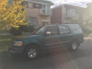 1997 FORD EXPEDITION- awd- ** VRAIMENT COMME NEUF***  2000$