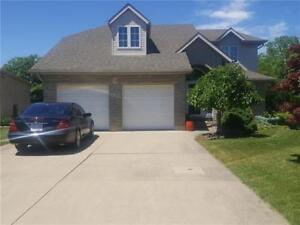 14 Stonegate Place, Fonthill (OPEN HOUSE SUN JULY 22nd from 2-4)