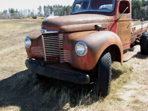 1949 INTERNATIONAL TRUCK  Model KB-5