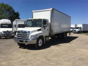 2015 Hino 268 26ft Dryfreight Box w/ Liftgate