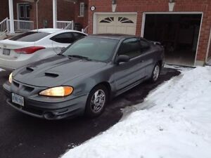 2005 Pontiac Grand Am 121000KM (Safetied and Etested!)