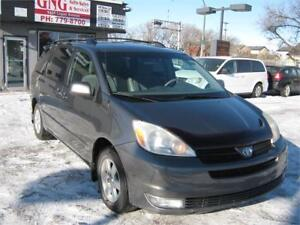 2004 TOYOTA SIENNA LE (CLEAN TITLE)