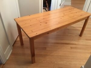 Table basse en pin/ Pine coffee table perfect condition