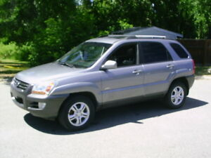 2005 SPORTAGE AWD LEATHER HEATED SEATS
