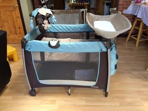 Child Playpen/Bed - Parc/Lit pour enfant