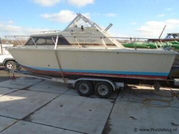 Chris Craft Polyester Tour-/Speedkruiser V8 8 mtr in veiling
