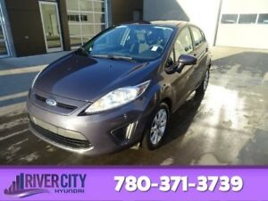 2013 Ford Fiesta SE SPORT HATCHBACK Heated Seats,  Sunroof,  Blu
