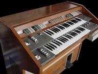 Eminent Unique 300 organ