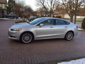 2016 Ford Fusion SE AWD, fully loaded, barely driven, like new!