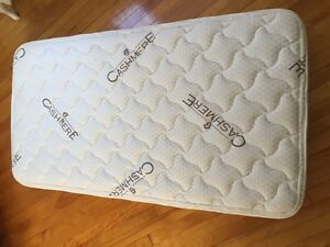 High quality cashmere crib mattress / matelas de Bassinette