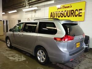 2013 Toyota Sienna LE FWD 8-Passenger V6 Peterborough Peterborough Area image 4