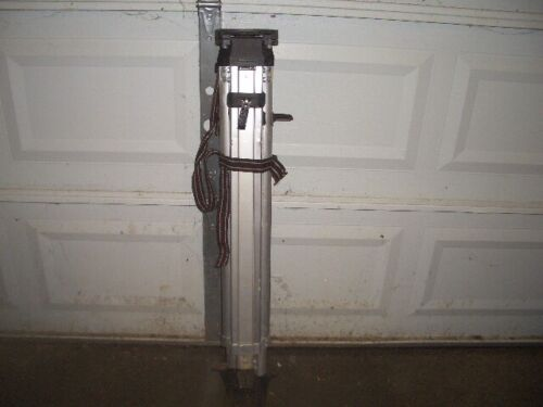 SitePro 01-ALQR20 5/8-11 Heavy Duty Aluminum Tripod with Quick Clamp, Black