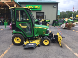 2012 JOHN DEERE X729 - LOADED - CAB, MOWER AND BLADE! 4X4