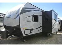 Small Couples trailer that weighs only 4,350 lbs