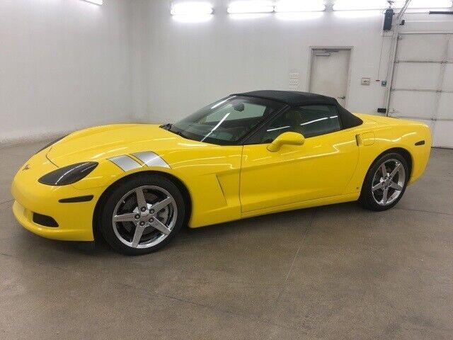 2008 Yellow Chevrolet Corvette     C6 Corvette Photo 4